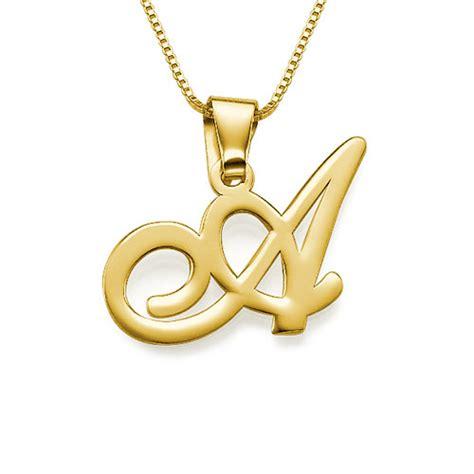 cadenas en english initial pendant in 18k gold plating mynamenecklace