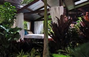 outdoor rooms and veggie gardens hawaiian style urban