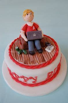 armchair football teeen cakes on pinterest skateboard cake makeup cakes and game of thrones cake