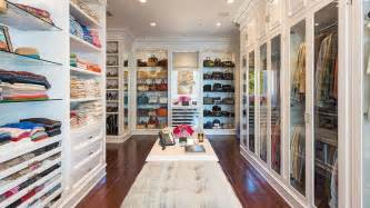 picture of extremly big closet that display clothes really