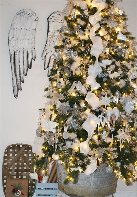 hip hop christmas tree decorating ideas tree decorating ideas and hop our crafty