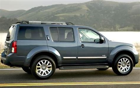 photos and videos 2010 nissan pathfinder suv history in pictures kelley blue book used 2010 nissan pathfinder for sale pricing features edmunds