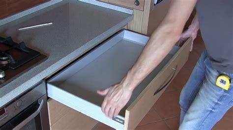 cassetti scorrevoli cucina cassetti scorrevoli per cucine gallery of cassetti