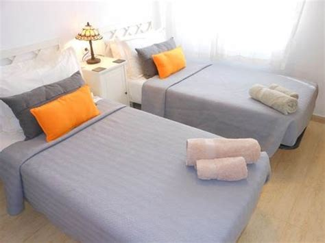 air conditioned bed villa with private pool for rent monte y mar lower