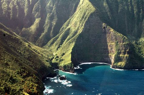 top 10 places to visit in us 10 best places to visit in the us 2 the hawaiian islands