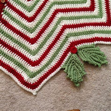 chevron pattern holly crochet christmas tree skirt for