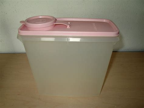 Tuppershop Stor N Pour Tupperware vintage tupperware store n pour cereal container 469