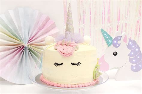How to Make a Unicorn Piñata Cake   Party Delights Blog