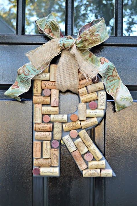 diy monogrammed wreath with wine corks and burlap bow gift idea cork burlap