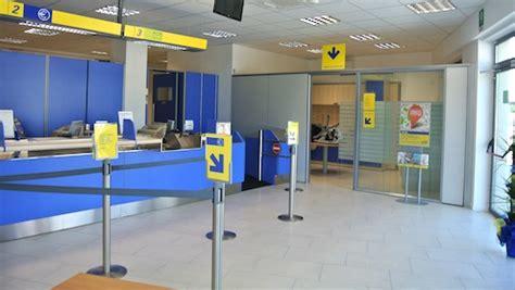 poste uffici postali riapre l ufficio postale di via della monacella a s