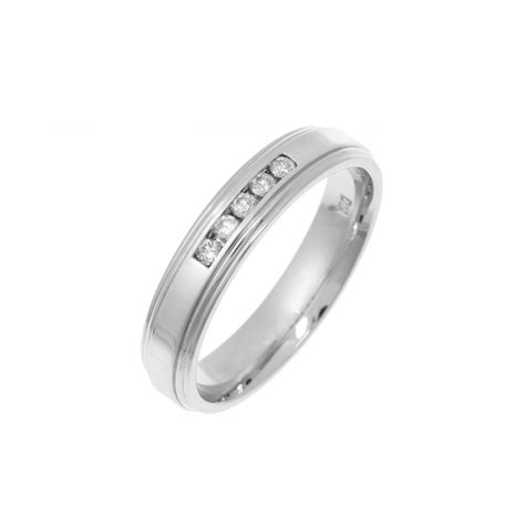 9ct set wedding ring