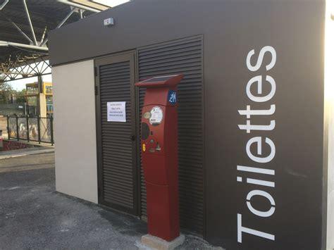 bagni pubblici bagni pubblici nuove toilette nei parchi e a classe e