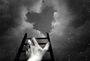 imagenes tristes mirando al cielo el peso del alma misteriosa curiosidad