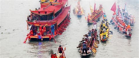 tow boat festival introduction to the dragon boat festival in china