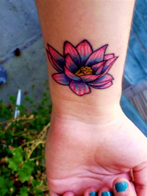colorful flower tattoos lotus flower tattoos lotus flower tattoo2 colorful