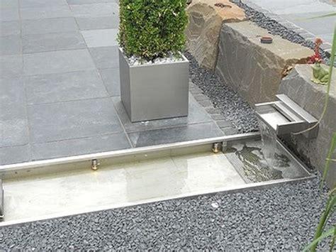 Wasserbecken Garten Beton