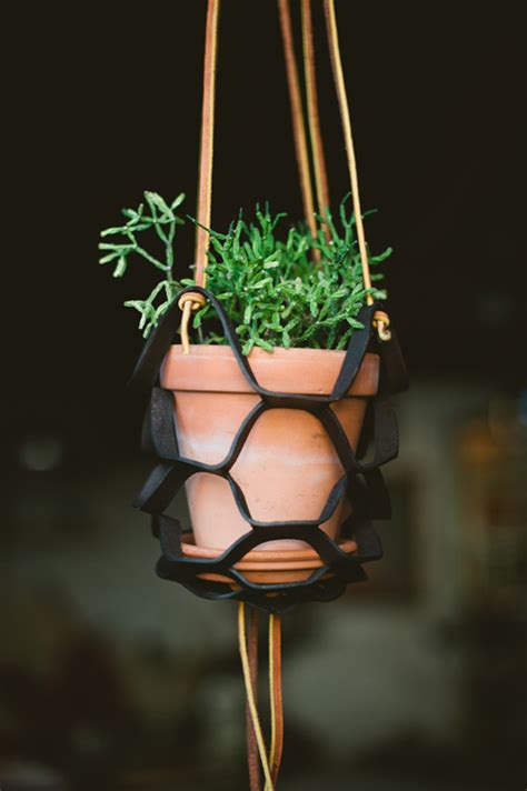 Outside Plant Hangers - craft tutorials galore at crafter holic leather plant