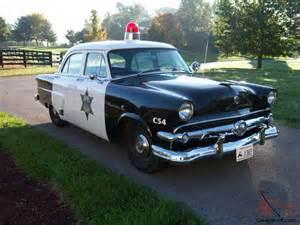 1954 ford mainlin cop car
