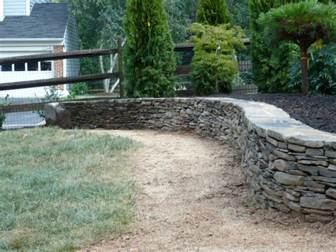 walls landscaping inc