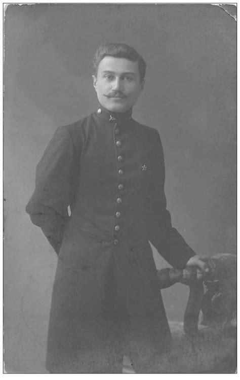 Photo carte postale MILITAIRE. Soldat Russe signé Davidov