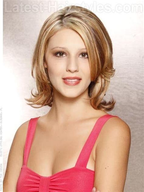 pictures of very long hair flipped at ends 25 classy short blonde hairstyles to look special