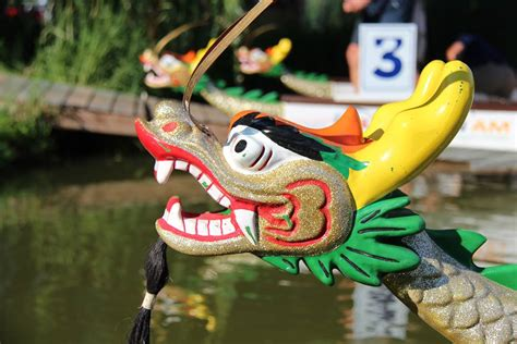 dragon boat racing milwaukee milwaukee dragon boat festival 2017 in milwaukee wi