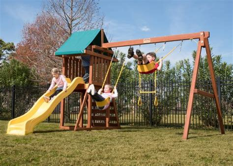 treefrog swing sets fort base swing sets treefrogs swingsets