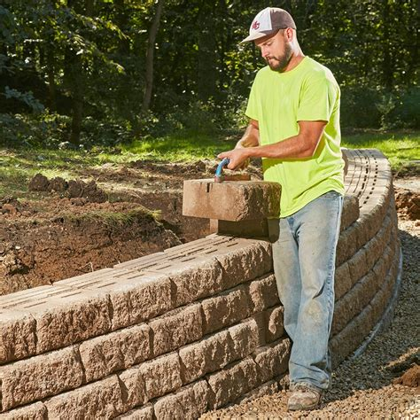 build  sturdy retaining wall     lifetime
