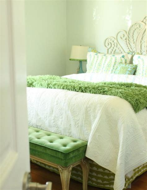 fresh and relaxing green bedroom designs and ideas