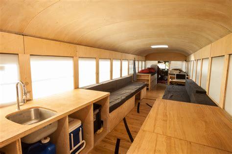 mobiele woning van oude schoolbus tot mobiele woning