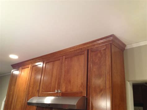 kitchen cabinet moulding kitchen cabinet crown moulding the kitchen crown moulding