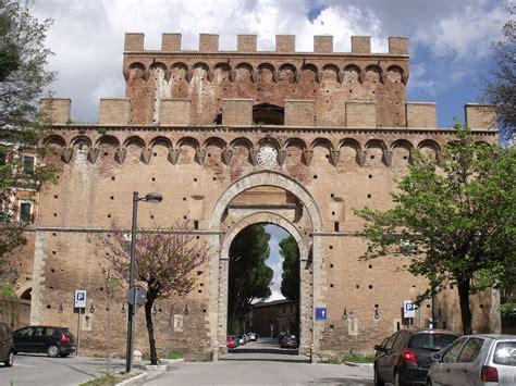 porta romana porta romana siena