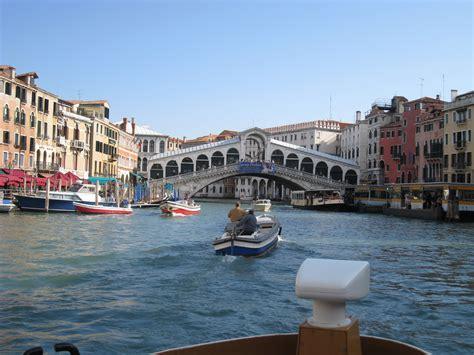 grand canapé droit file venice grand canal rialto bridge jpg wikimedia