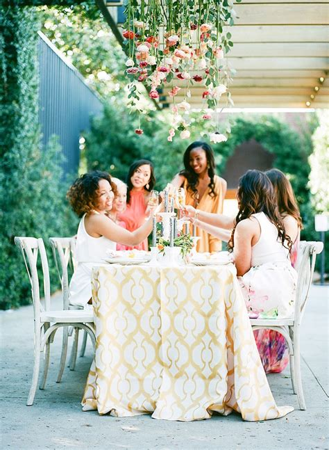 How to Plan a Gorgeous Bridal Luncheon For Your Bridesmaids!