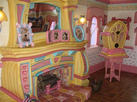 Disney Official Minnie Toontown House Ceramic - minnie s country house disney secrets