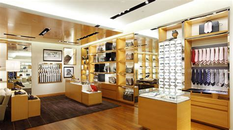 Garden State Plaza Gucci Largest Louis Vuitton Store In Indonesia Luxuo Luxury