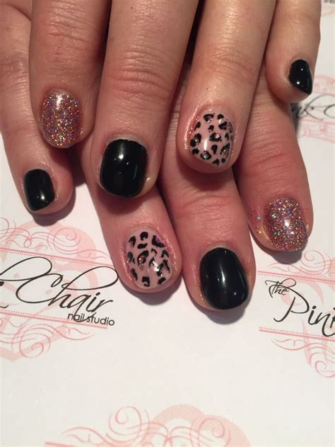 Slowly Transition Your Black Nails Into by 329 Best Images About Nails By The Pink Chair On