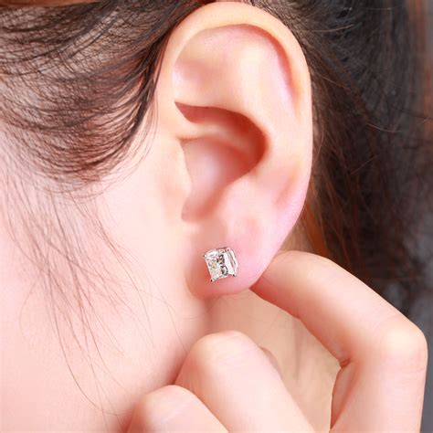 ear cut princess cut earrings on ear diamondstud