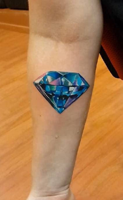 diamond tattoo parlor prices realistic diamond tattoo on the right forearm
