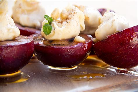 grilled cinnamon plums with sweetened mascarpone