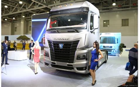 Modern Cabin Design by Daimler And Kamaz Will Begin The Production Of A New Truck