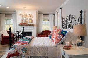 Fixer upper hgtv s fixer upper with chip and joanna gaines hgtv