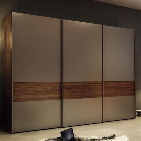 Wood Wardrobe Designs by Best 25 Wooden Wardrobe Ideas On Wooden