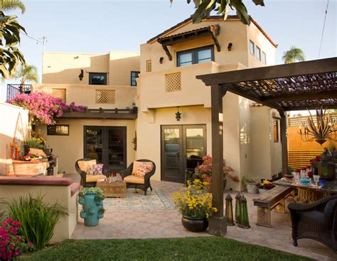 backyard style outdoor living and outdoor entertaining in a comfortable