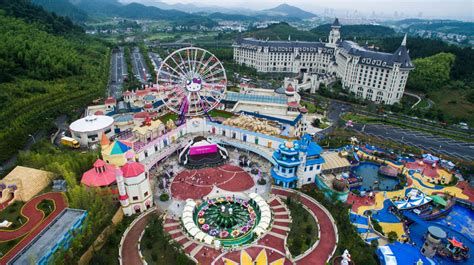 hello kitty theme park world s largest hello kitty theme park opens in china but