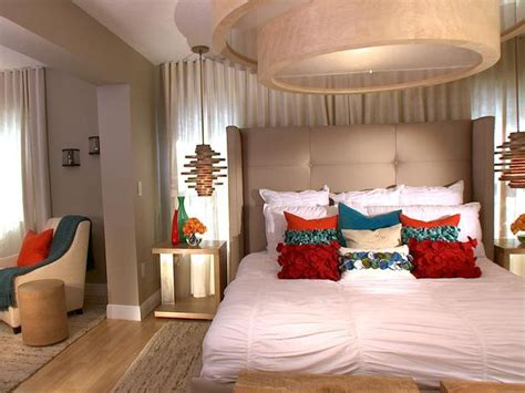 10 all white bedroom linens hgtv contemporary bedroom photos hgtv