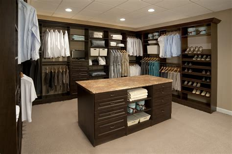 Island Closets by Gallery Closetdesigner