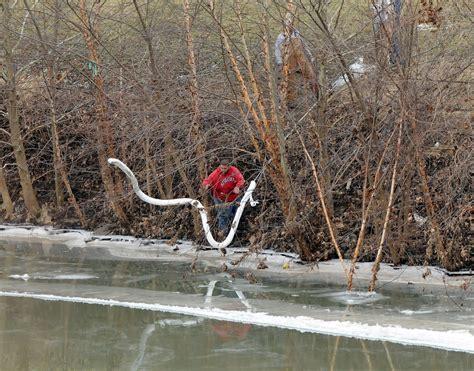 west virginia chemical cleanup continues probe  leak underway