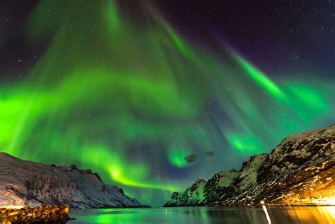 tromso northern lights hurtigruten cruise trip voyage holidays