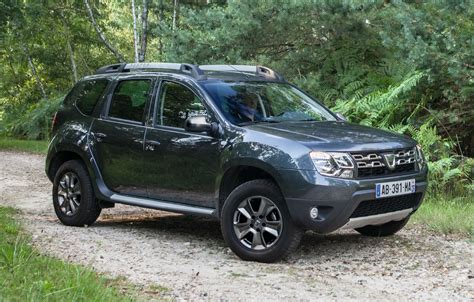 renault duster 2014 dacia duster facelift 2014 new photos revelead dacia